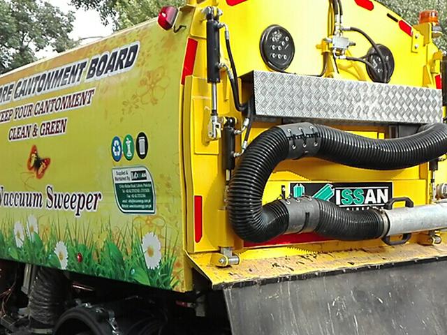 Vacuum Road Sweeper